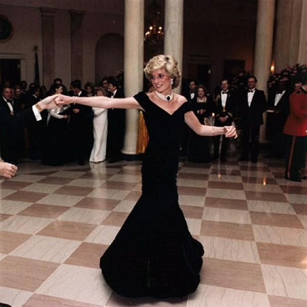 Diana Her Fashion Story at Kensington Palace